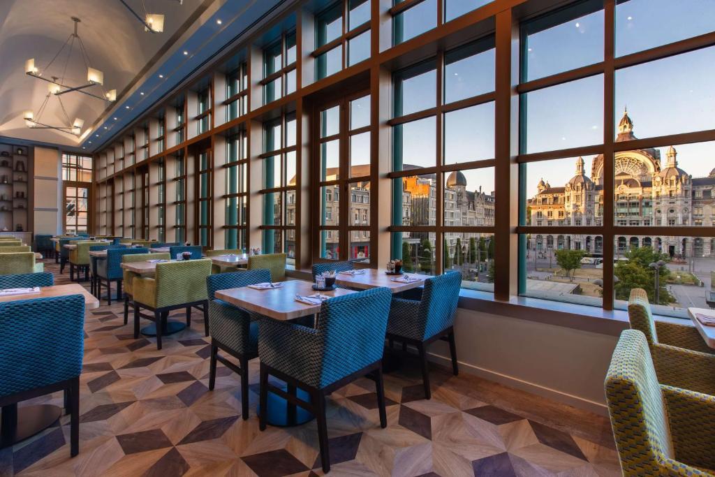 Een restaurant of ander eetgelegenheid bij Radisson BLU Astrid Hotel, Antwerp