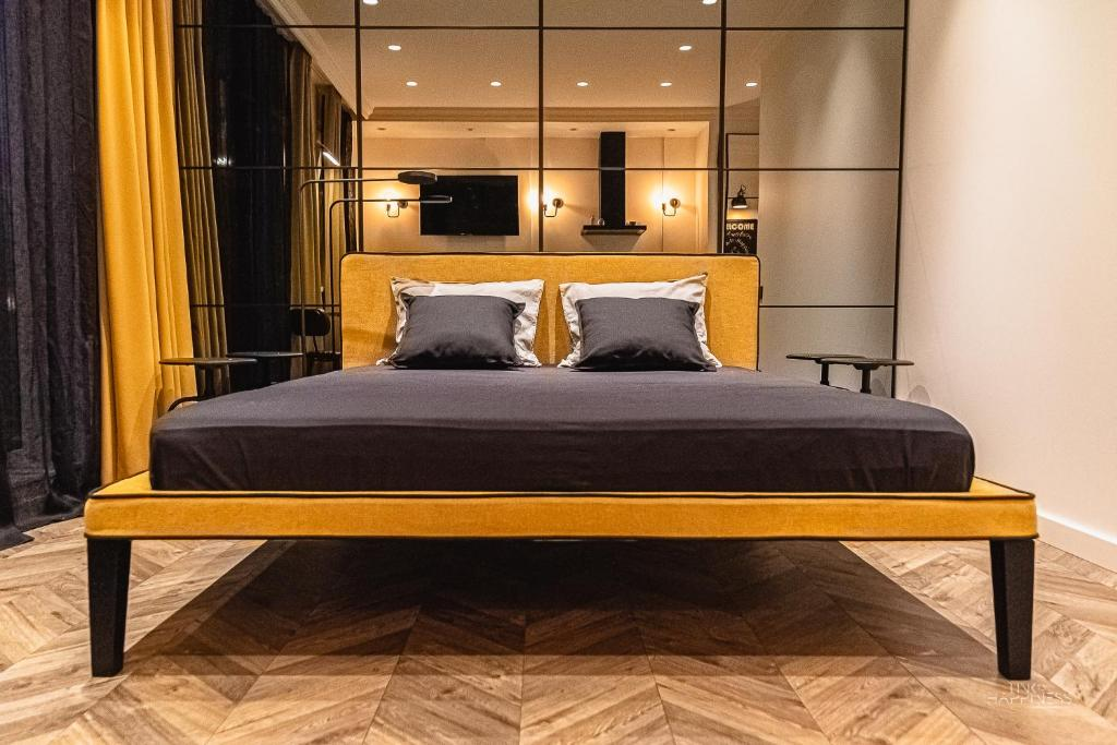 A bed or beds in a room at No.1 Apartment Link-To-Happiness