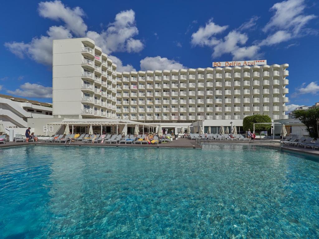 Het zwembad bij of vlak bij BQ Delfín Azul Hotel