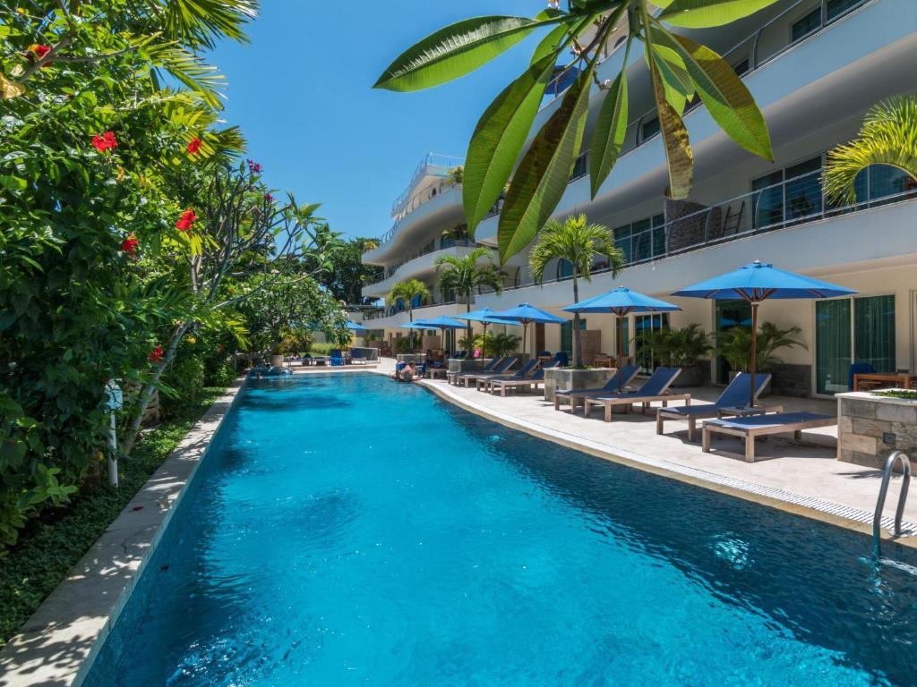 The swimming pool at or close to Anantara Vacation Club Legian