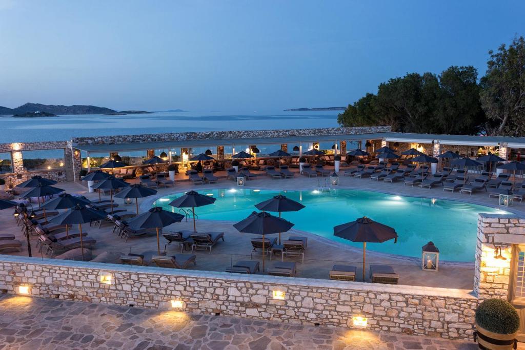Вид на бассейн в Saint Andrea Resort Hotel или окрестностях