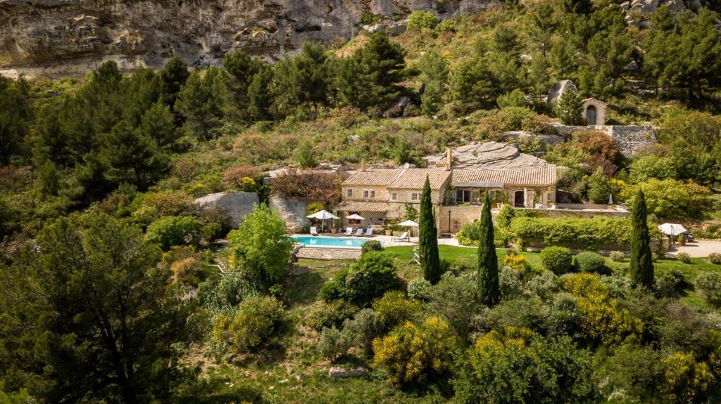 A bird's-eye view of Les Baux de Provence Villa Sleeps 10 Pool WiFi