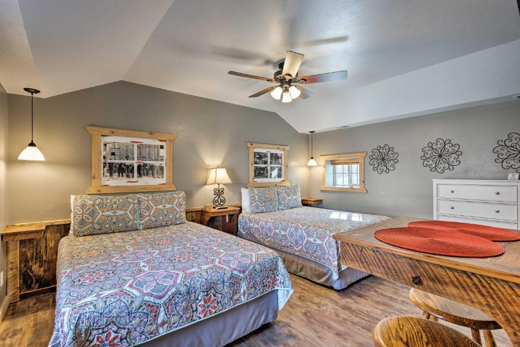A bed or beds in a room at Ouray Unit near Skiing, Hot Springs and Hiking!