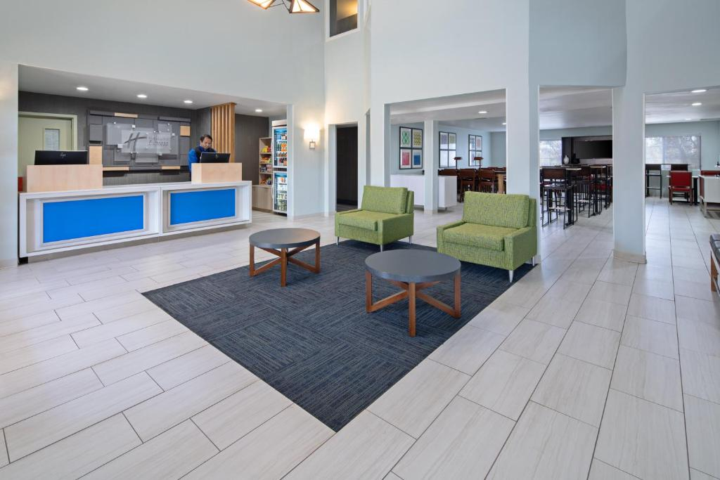 The lobby or reception area at Holiday Inn Express Hotel & Suites Watsonville, an IHG Hotel