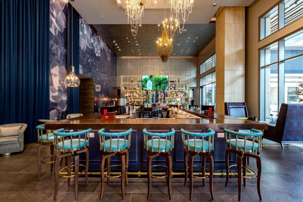 Restaurant ou autre lieu de restauration dans l'établissement Hotel Indigo - Los Angeles Downtown, an IHG Hotel