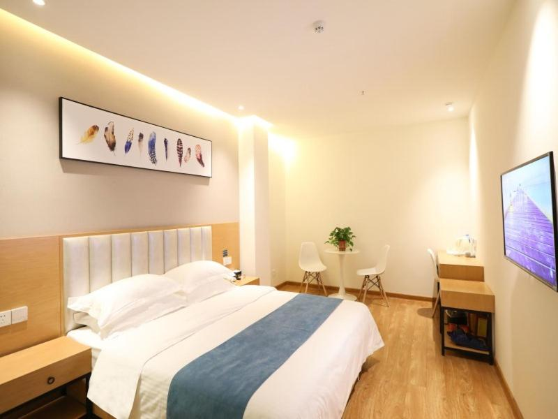 Shell Xinzheng Airport Port Huaxia Avenue Hotel