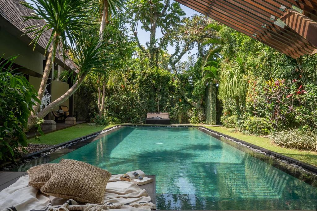 The swimming pool at or near Ametis Villa
