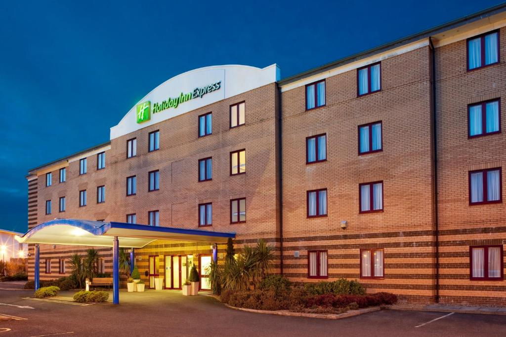 Holiday Inn Express GREENOCK - Laterooms