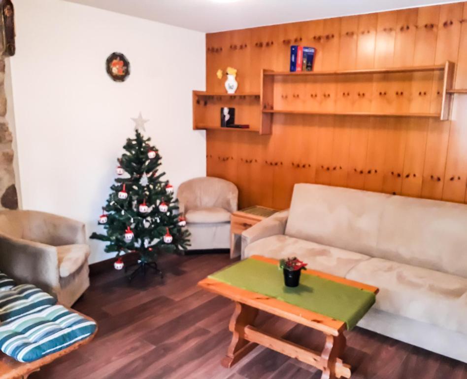 A seating area at BeB Sas da Rocia