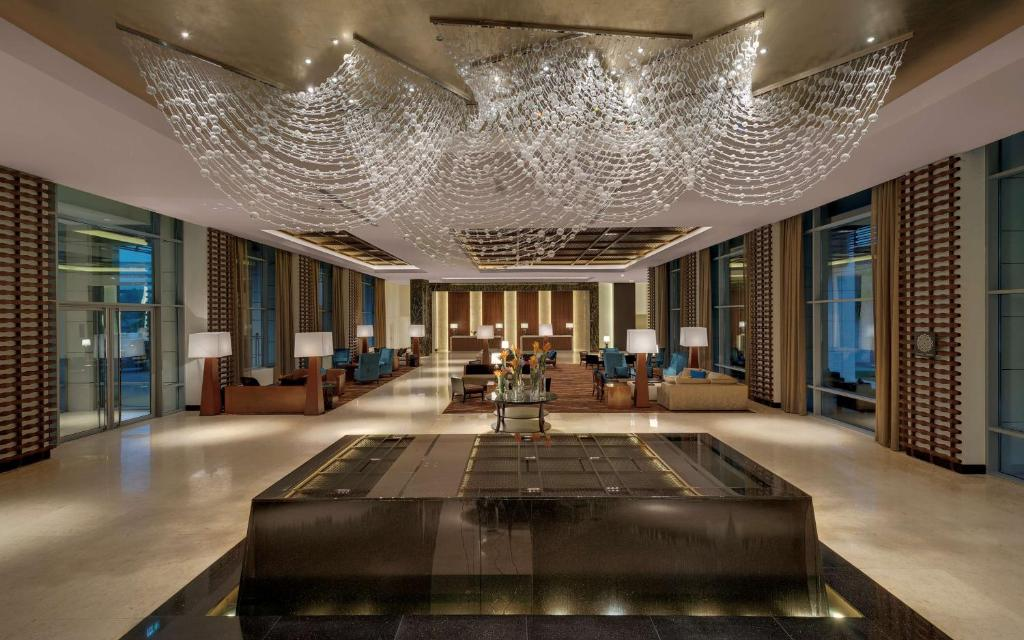 The lobby or reception area at Kempinski Hotel Gold Coast City