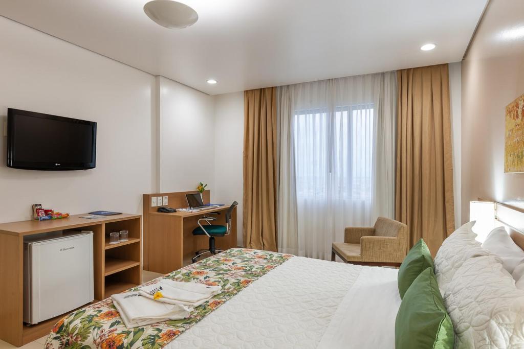 Una televisión o centro de entretenimiento en Blue Tree Premium Manaus