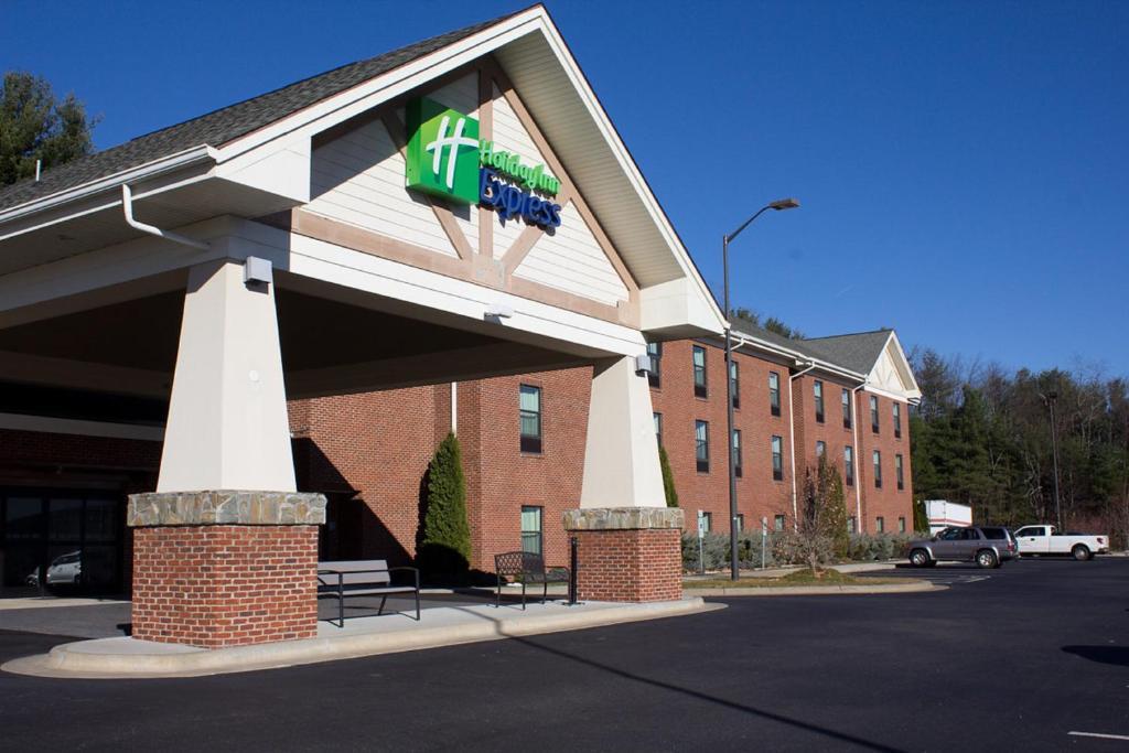 Holiday Inn Express West Jefferson, an IHG Hotel