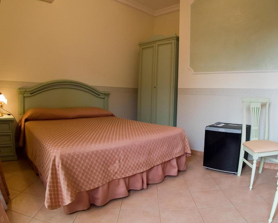 A room at the Hotel Louis II.