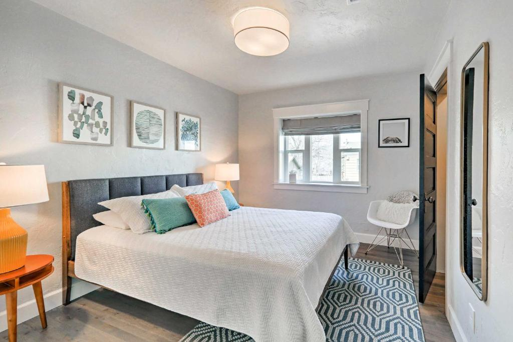 A bed or beds in a room at The Downtown Crown Flagstaff Home - Walk to NAU!