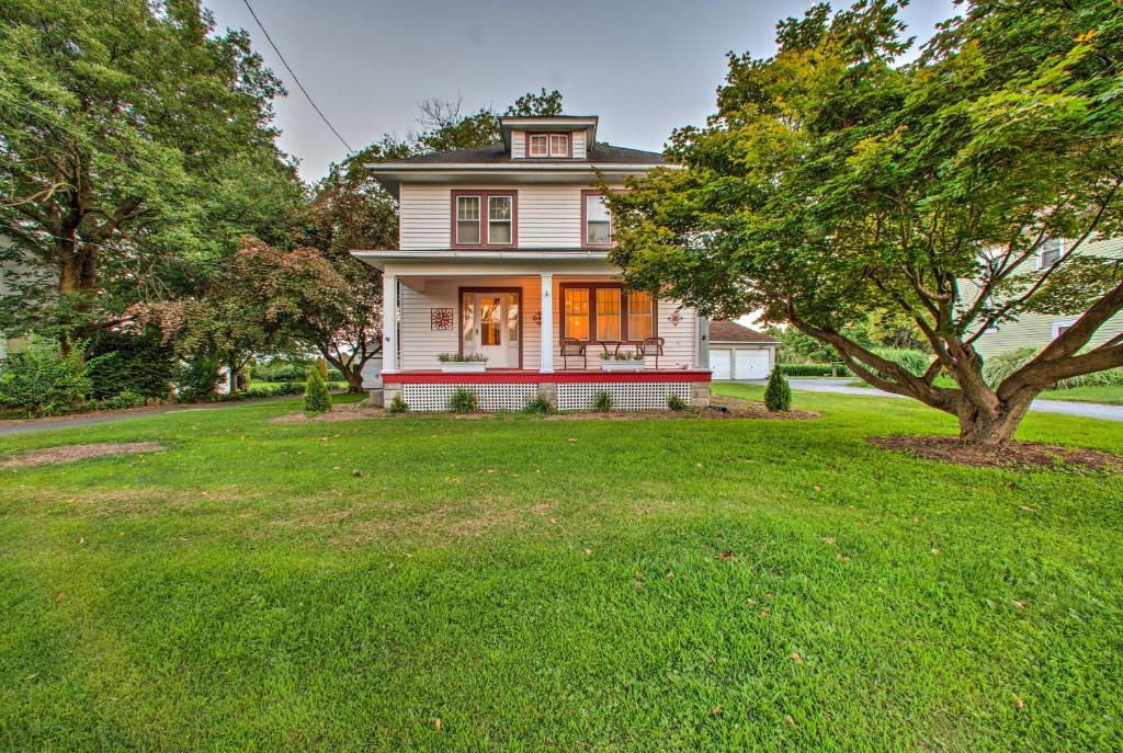Whimsical Lancaster House with Porch, Near Amish Farm