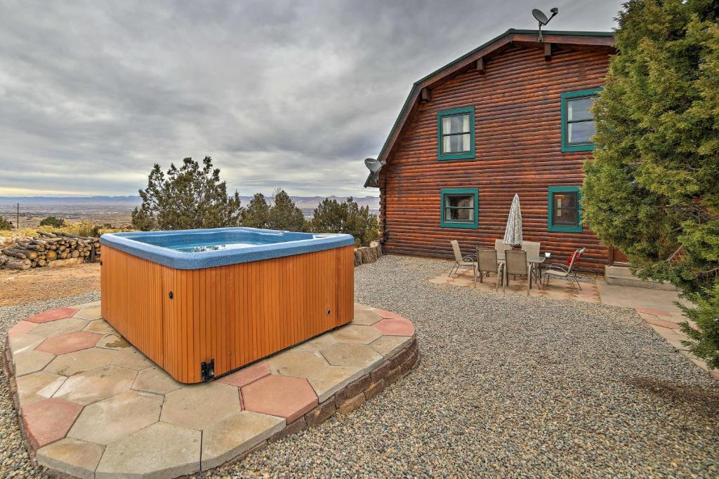 Spa and/or other wellness facilities at Great Views! Hot Tub and Minutes to Biking and Hiking!