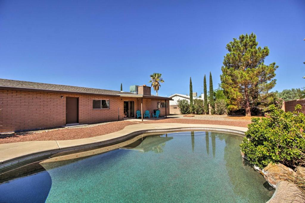 Pearce-Sunsites Home with Pool and Desert Mountain View