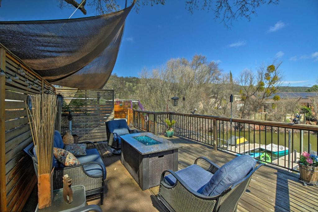 Cozy Clearlake Oaks Home With Game Room Dock And Deck Clearlake Oaks Updated 2021 Prices