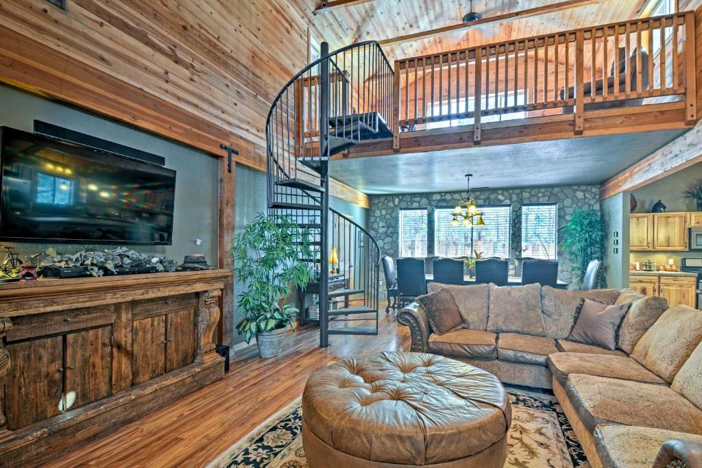 The lobby or reception area at Flagstaff Cabin with Fireplace and Fire Pit on 5 Acres!