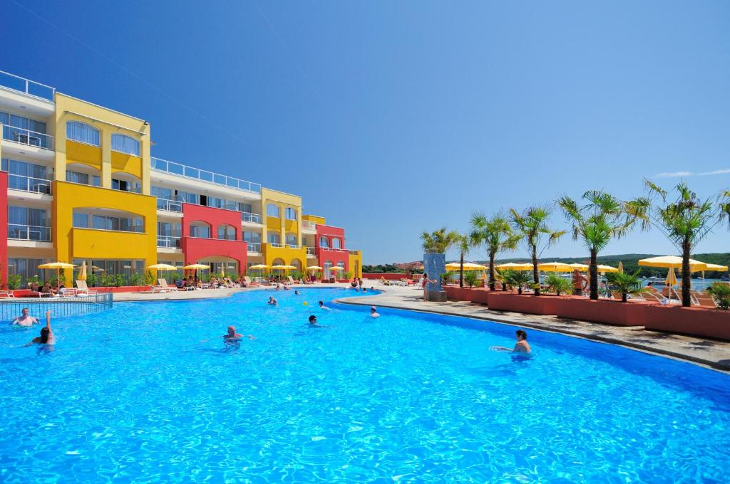 Bazén v ubytovaní Resort del Mar alebo v jeho blízkosti