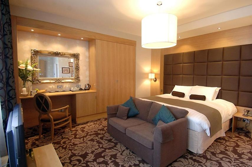 The Briar Rose Hotel - Laterooms