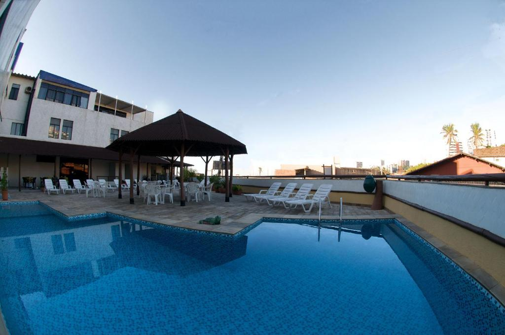 The swimming pool at or close to Rede Andrade Plaza Salvador