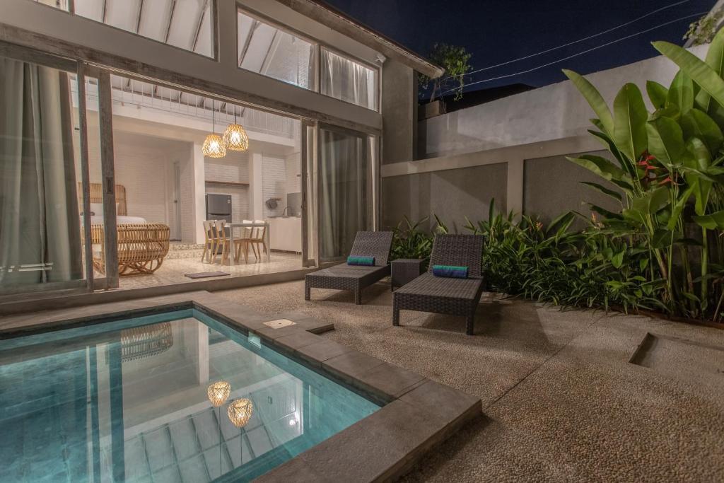 White Studio, villa with private pool Canggu