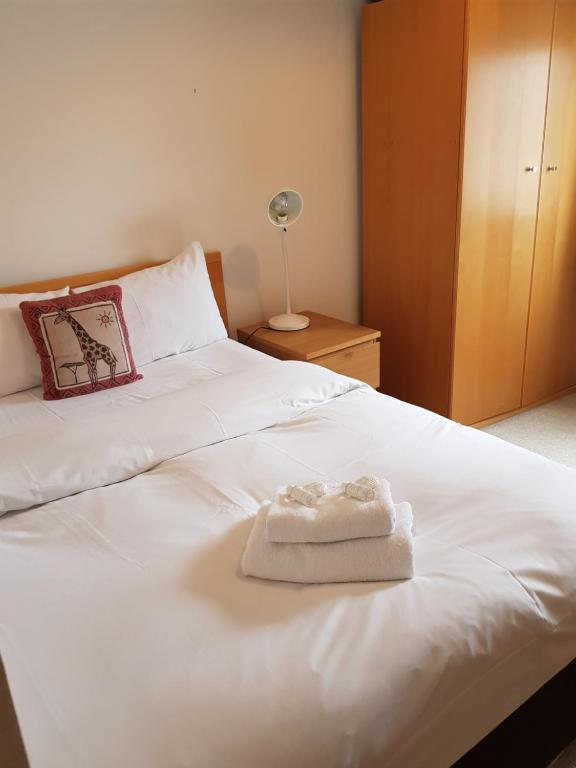 1 Double-Bed WHITECHAPEL-SK