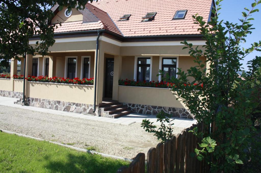 Rakennus, jossa guesthouse sijaitsee
