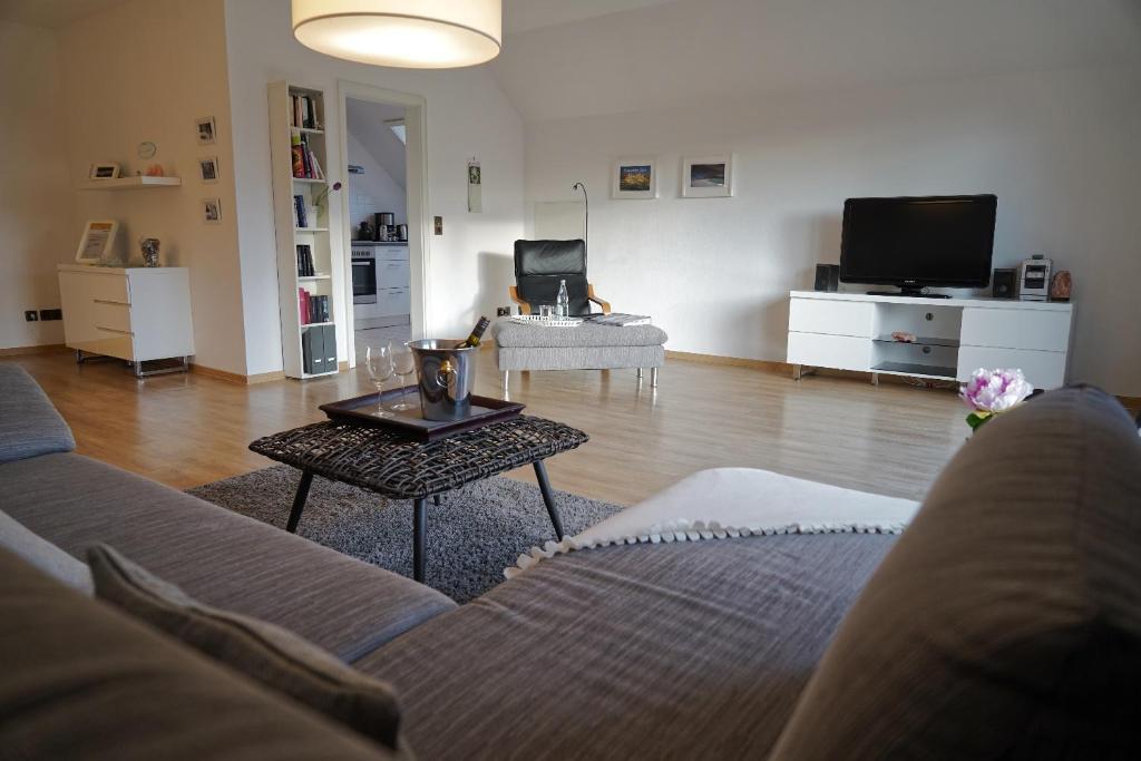 A seating area at Ferienwohnung Salz und mehr....
