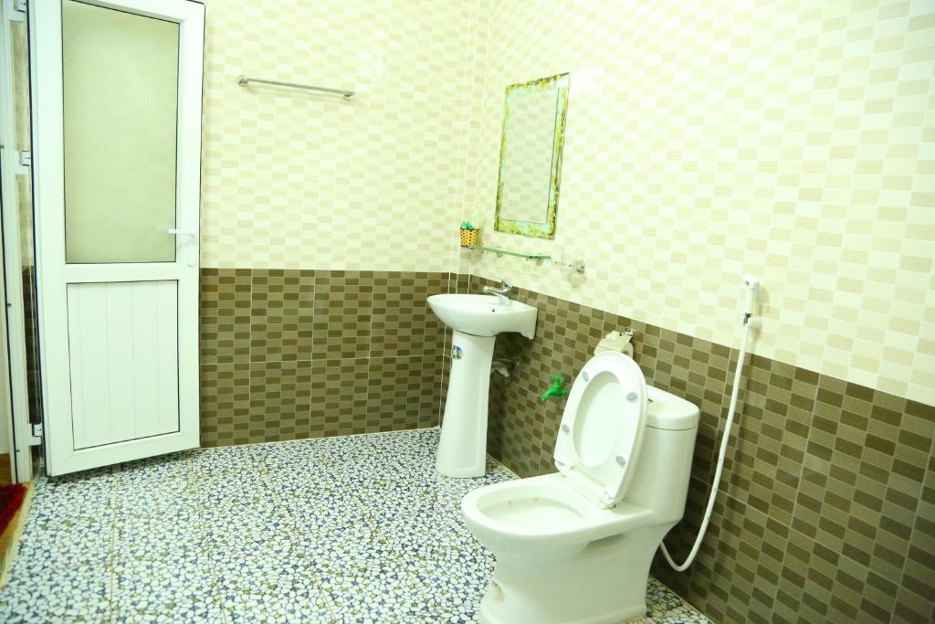 Phòng tắm tại Son Tinh Hotel