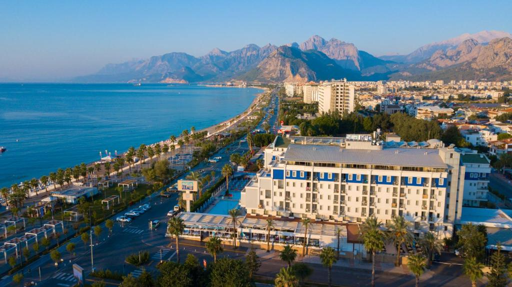 A bird's-eye view of Sealife Family Resort Hotel
