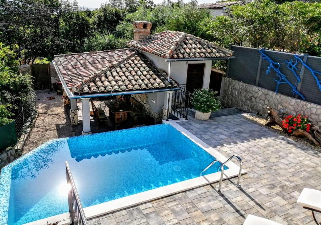 Apartment Roko With Private Swimming Pool