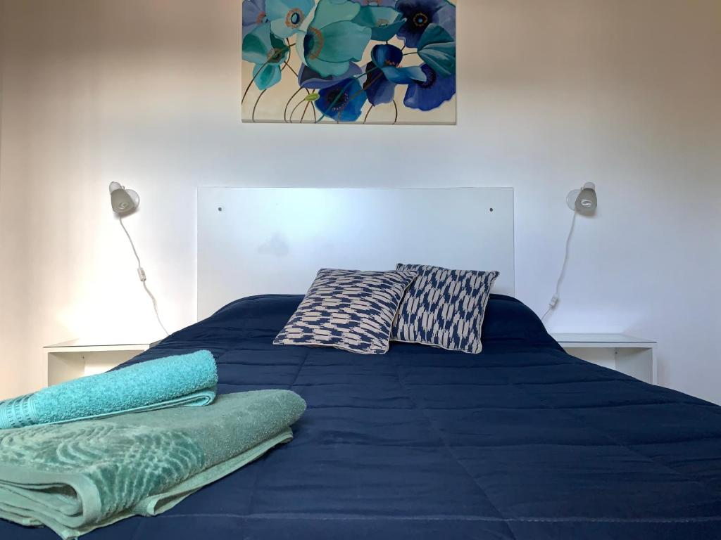 Una cama o camas en una habitación de Las Hortensias