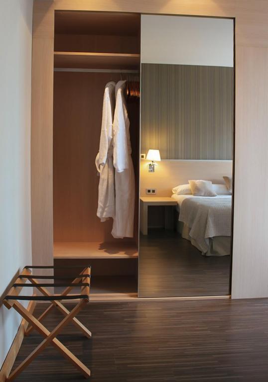 Hotel Asturias - Laterooms