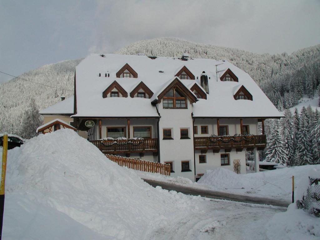 Residence Rogger during the winter