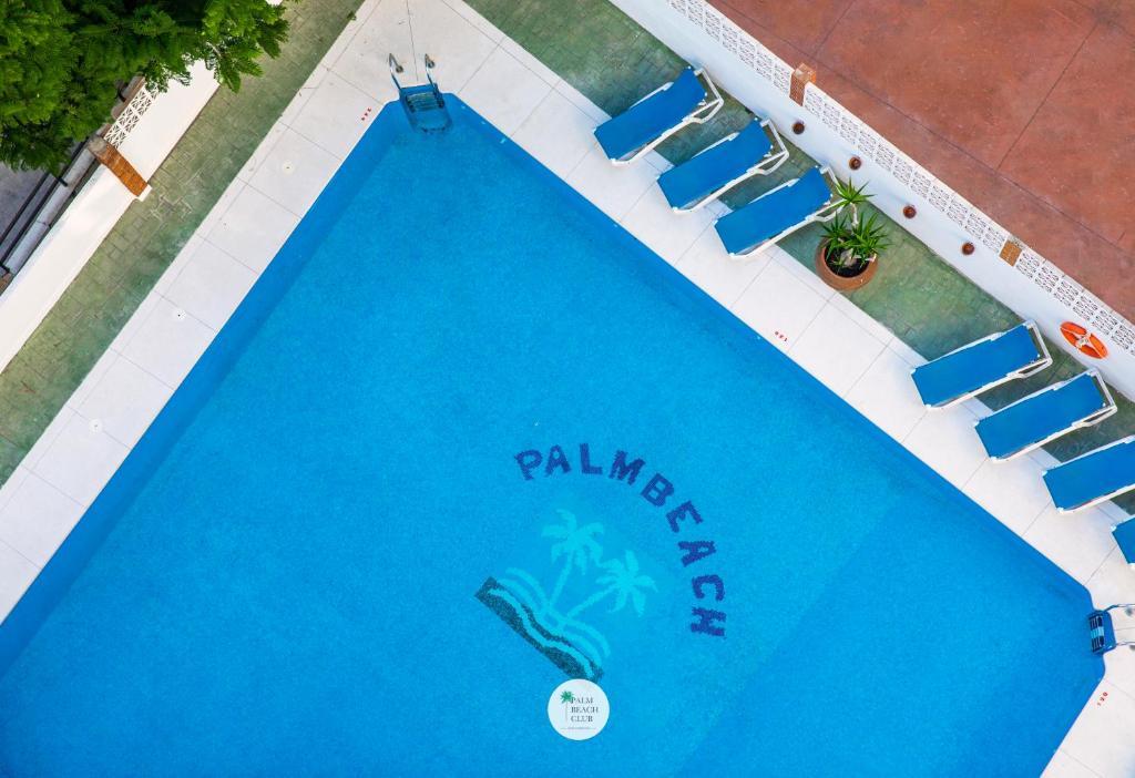 Vista de la piscina de Apartamentos Palm Beach Club Carihuela o alrededores