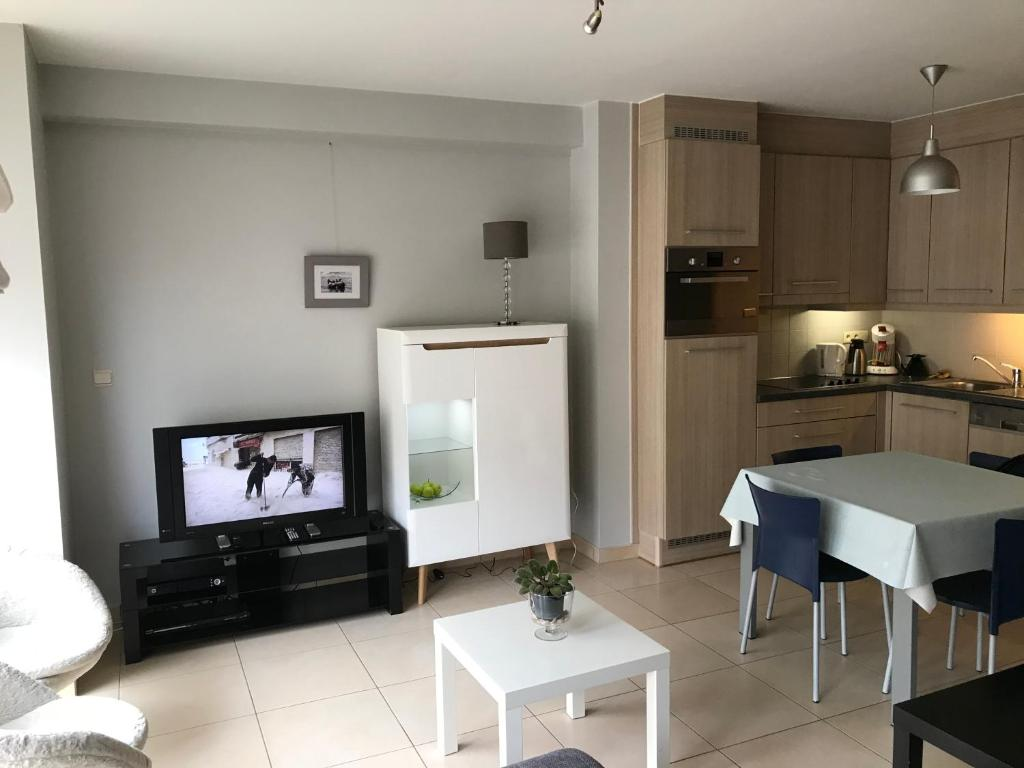A kitchen or kitchenette at Appartement Koksijde