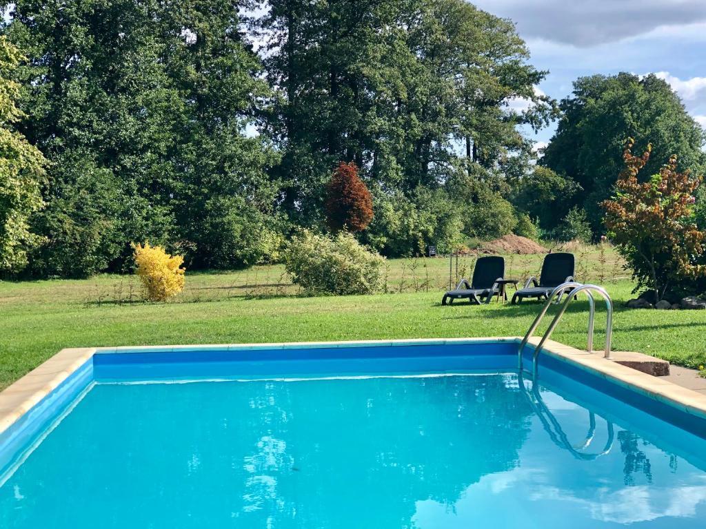 Der Swimmingpool an oder in der Nähe von Ferienapartments Spreewaldwiesen