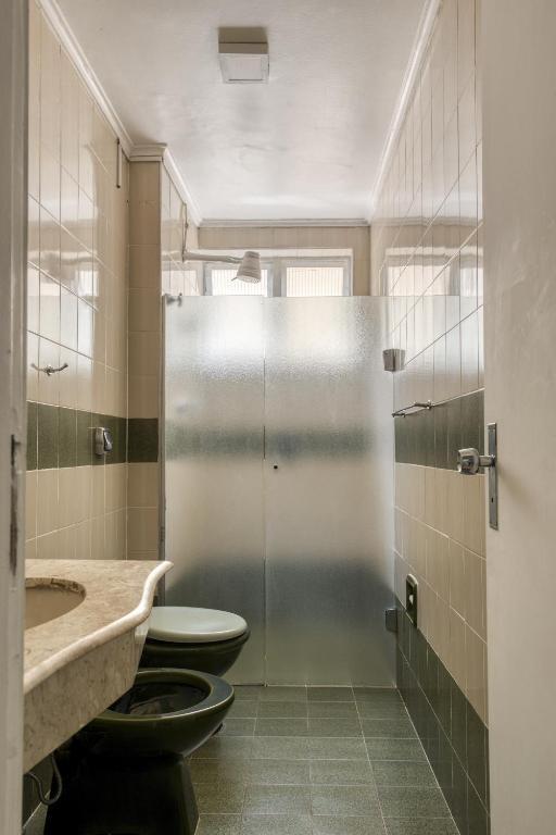 A bathroom at JB Palace