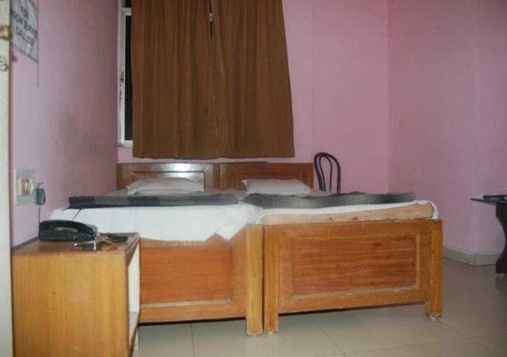 A kitchen or kitchenette at Hotel Sita kunj