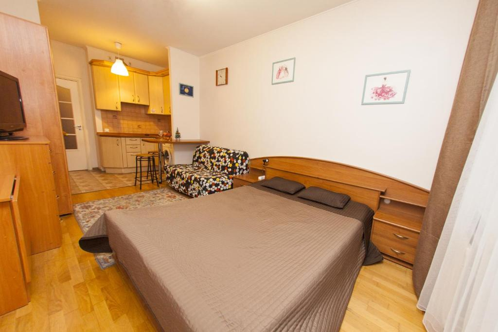 Кровать или кровати в номере Ё-home Говорова 12 2х2 бесконтактное заселение 24-7