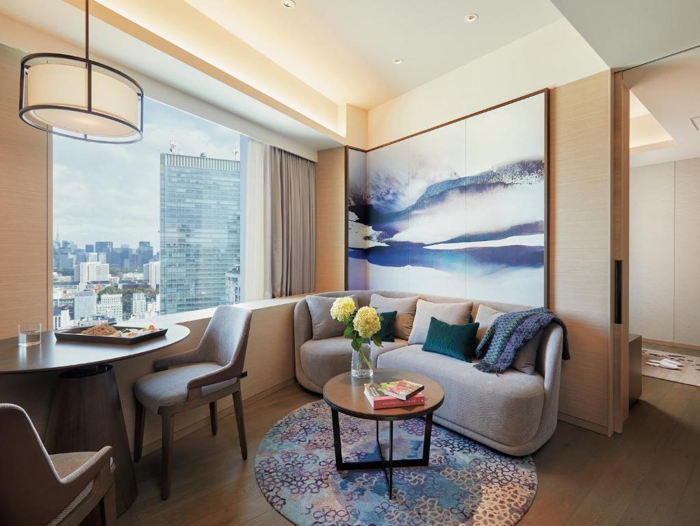 A seating area at Fraser Suites Akasaka, Tokyo
