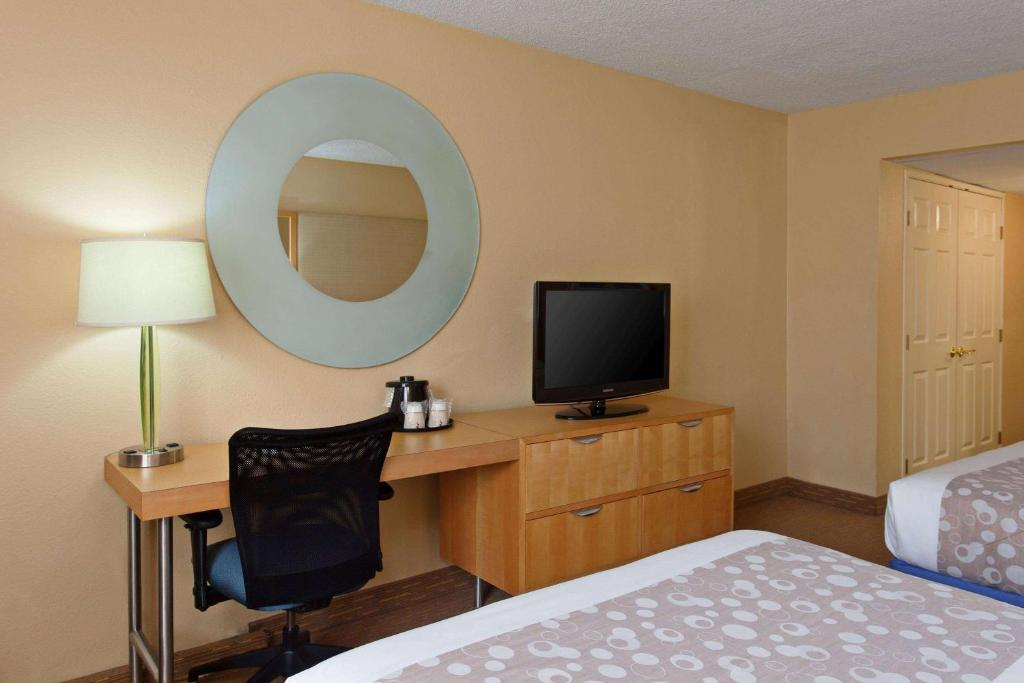 A television and/or entertainment centre at La Quinta by Wyndham LAX