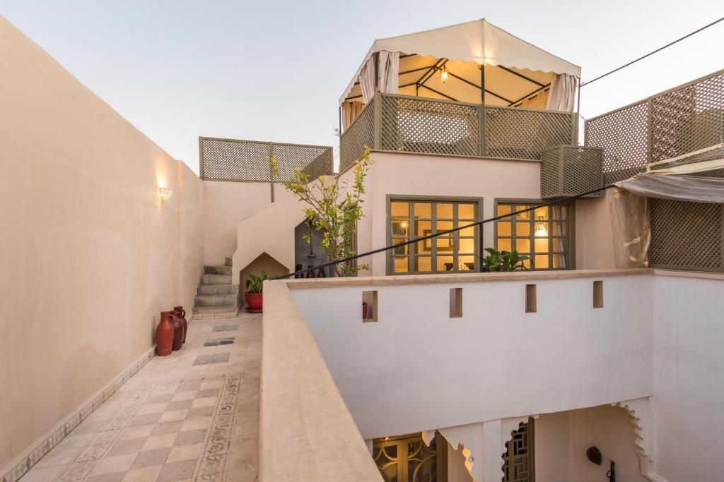 keres hálószoba nő marrakech találkozó özvegy