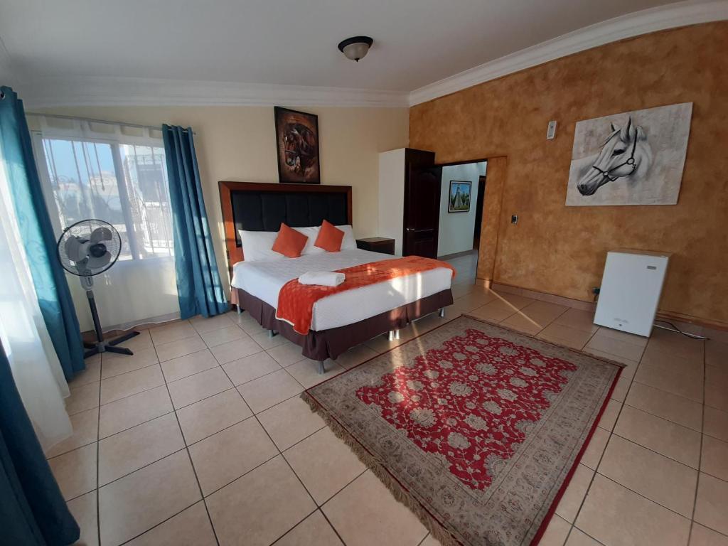 A room at the Don Felipe Aeropuerto.
