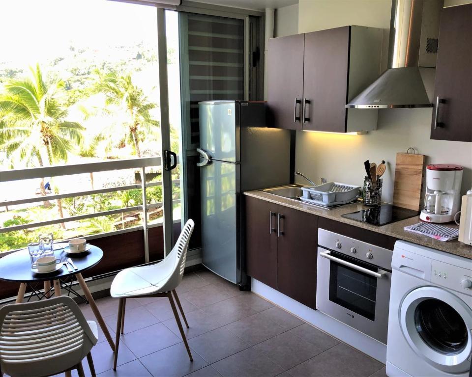 A cozinha ou cozinha compacta de Pacific Studio