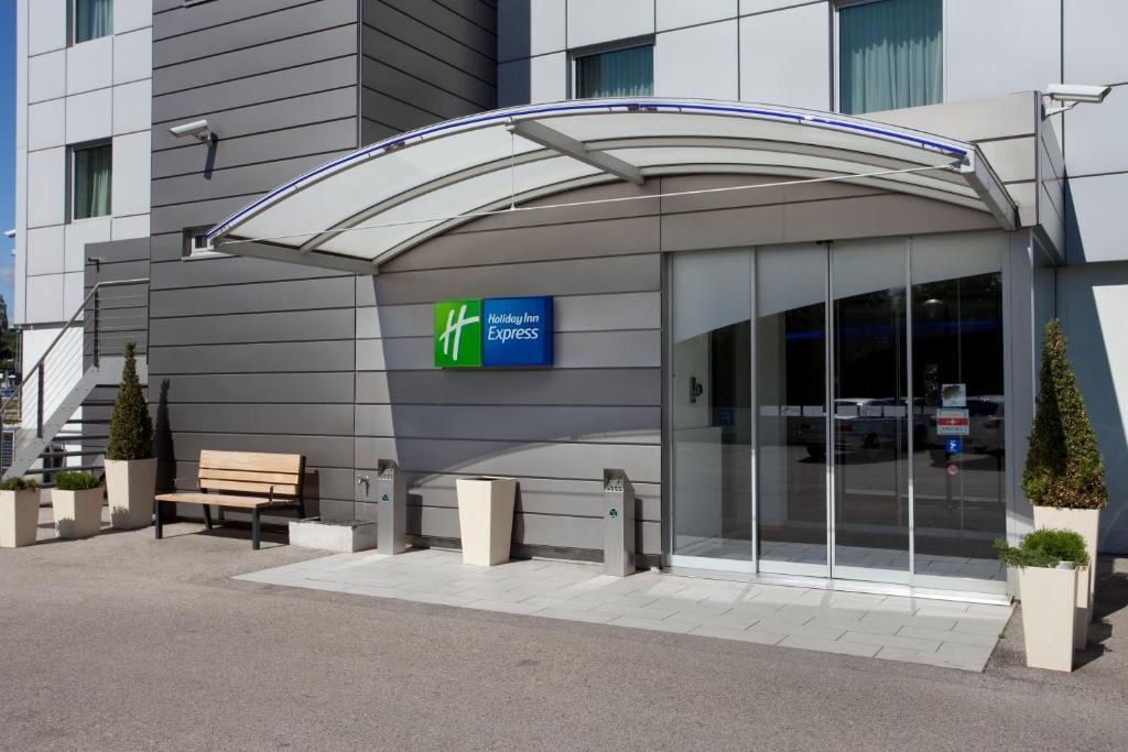 Holiday Inn Express Geneva Airport Geneva, Switzerland