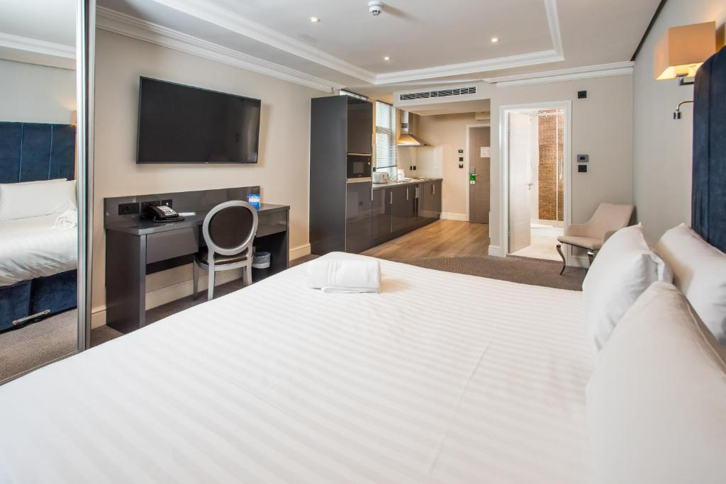 A room at the Best Western Chiswick Palace and Suites London.