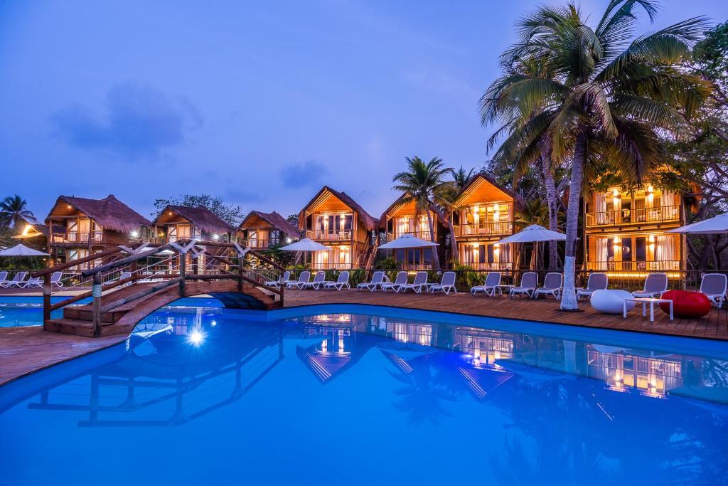 The swimming pool at or near Hotel Isla del Encanto